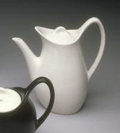 'Fashion' shape coffee pot with lid