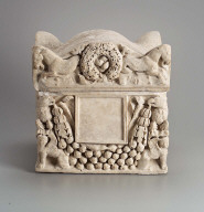 Marble cinerary urn