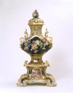 PERFUME VASE or pot-pourri vase