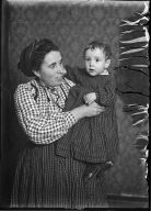 Italian Mother and Her Child tenement/N.Y.C. 1907