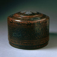 Lidded Cosmetic Box (Lian) with Scrolling Clouds and Supernatural Creatures