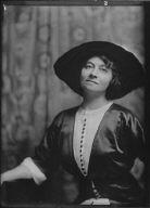 Green, Ethel, Mrs., portrait photograph
