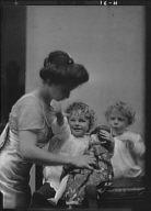 Bastedo, W.A., Mrs., and children, portrait photograph