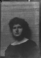O'Neil, Nance, or Miss Stewart, portrait photograph