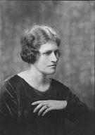 Hunnewell, Arnold, Mrs., portrait photograph