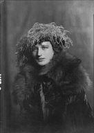 Speare, Dorothy, Miss, portrait photograph