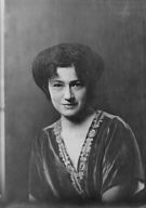 Armand, Marvella, Miss, portrait photograph