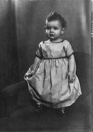 Baumgarten child, portrait photograph