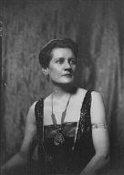 Knoblauch, Charles E., Mrs., portrait photograph