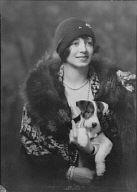 Hoppel, R., Miss, with dog, portrait photograph