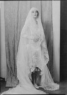 Wells, Frederick Brown, Jr., Mrs., portrait photograph