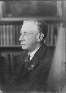 Knapp, Joseph P., Mr., portrait photograph