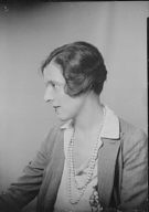 Stewart, Susan B., Miss, portrait photograph