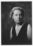Wylie, I.A.R., Miss, portrait photograph