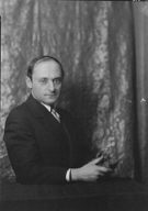 Brummer, Joseph, Mr., portrait photograph
