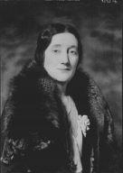 Cescinsky, Herbert, Mrs., portrait photograph