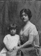 Goddard, Mrs., and children, portrait photograph