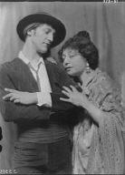 Tellegen, Louis, Mr., and an unidentified woman, in costume