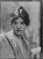 Beyer, Hilda, Miss, portrait photograph