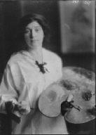 Nash, Miss (Guinness), portrait photograph