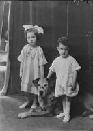Bates, Blanche, Miss (Mrs. George Creel), children of, with dog, portrait photograph
