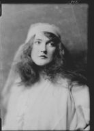 Irving, Daisy, Miss, portrait photograph