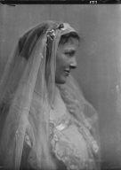 Hall, Ruth, Miss (Mrs. Baldwin Smith), portrait photograph