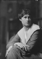 Garnett, Porter, Mrs., portrait photograph