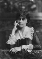 Erskine, Mrs., portrait photograph