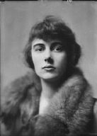 Foote, Dorothy, Miss, portrait photograph
