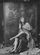 Delarer, Llellwyn, Miss, portrait photograph