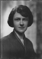 Barrett, Hinman, Mrs., portrait photograph