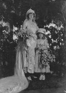 Marble, Mrs. (Miss Morrison), and child, portrait photograph