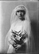 Holt, Roscoe, Mrs., portrait photograph