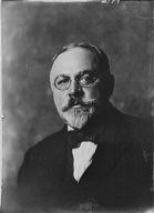 Muschenheim, Fred A., Mr., portrait photograph