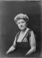 Richards, Walter B., Mrs., portrait photograph