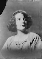 Mordhurst, Glenda, Miss, portrait photograph