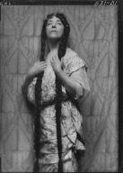 Auld, Gertrude (Mrs. Thomas), portrait photograph