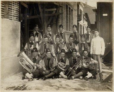 Shriners band