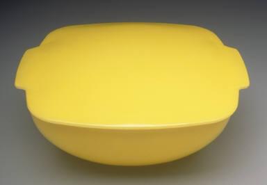 'Hostess' pattern covered casserole dish