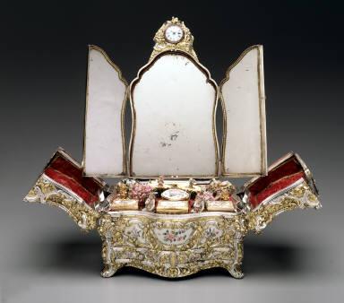 Dressing set, (casket)