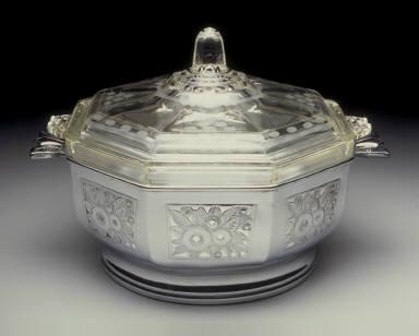 No. 5901 casserole dish