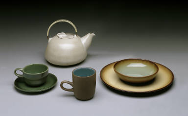 'Coupe' cup and saucer