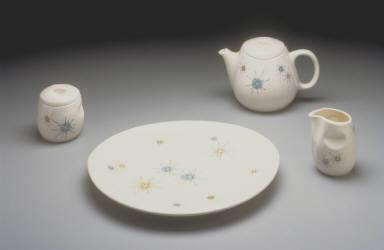 'Eclipse' shape teapot with 'Starburst' pattern decoration