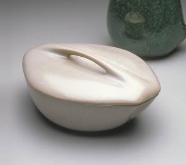 'Modern Stoneware' covered casserole