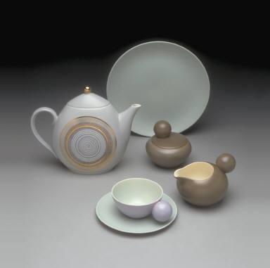 'Fine China' shape teapot with 'Roman Coin' pattern
