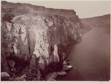 Snake River Canon, below Shoshone Falls