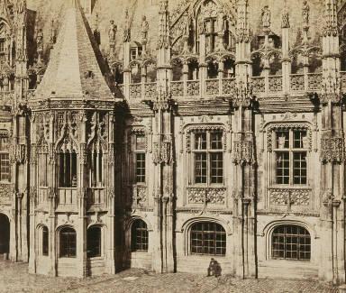 Rouen. Palais de Justice - tourela Largeur