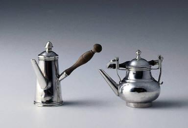 Toy coffeepot