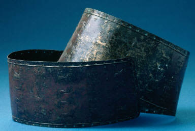 Belt with repousée design